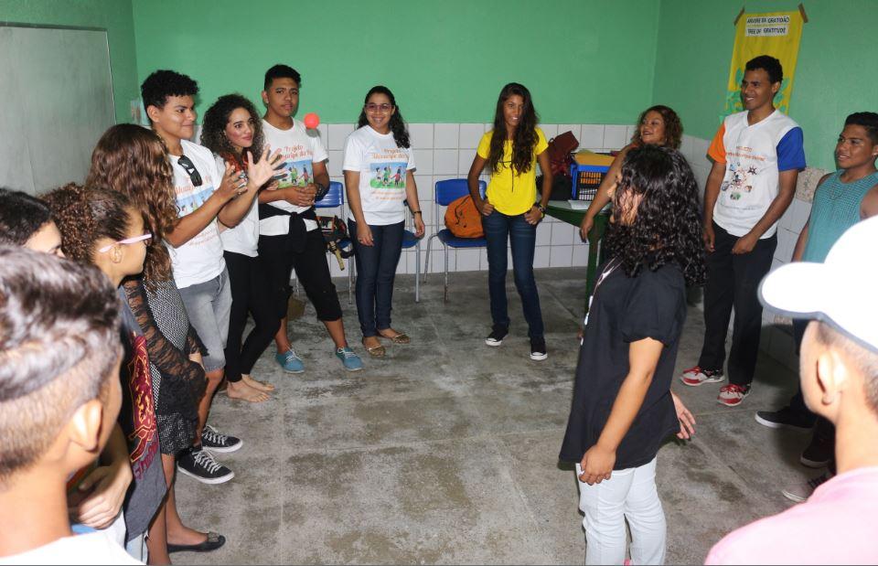 Más adolescentes entrenados para abordar situaciones de violencia en Brasil