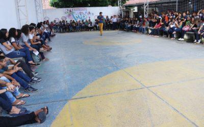 """Adolescentes en Brasil participan en el día """"D"""" de la comunicación para la paz"""